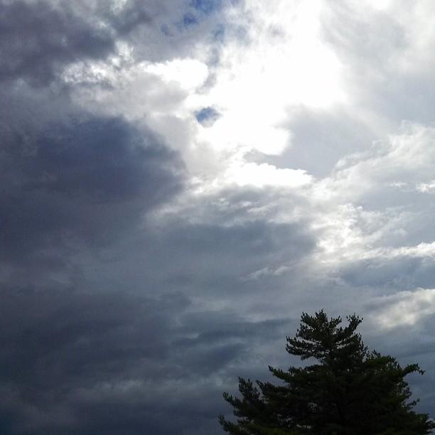 Stormy sky {PilotingPaperAirplanes.com}