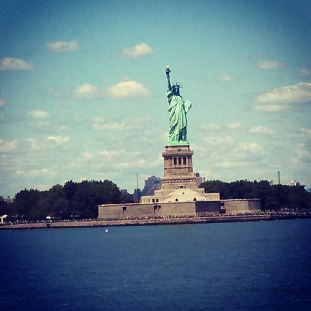 Statue of Liberty New York City {PilotingPapeAirplanes.com}